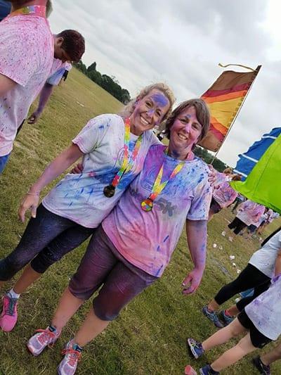 maria and zoe at the colour run