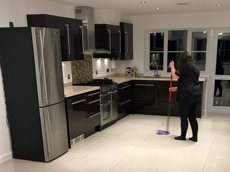 Domestic Cleaners Dunmow clean kitchen